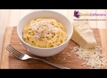 Spaghetti with cheese and pepper (cacio e pepe) - Italian recipe (VIDEO)