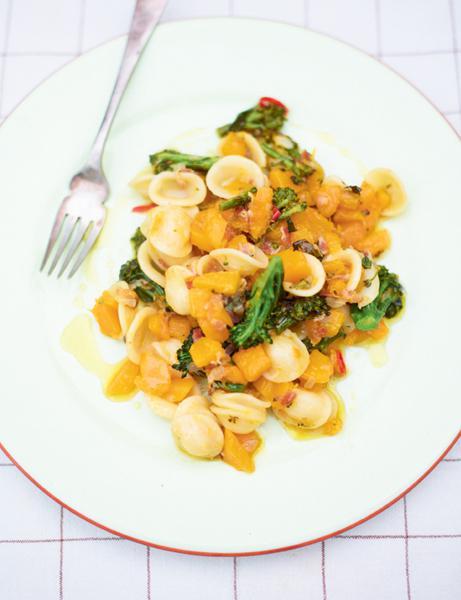 Orecchiette Con Zucca E Broccoli Orecchiette Pasta With Butternut Squash And Purple Sprouting Broccoli Recipe Easy Italian Recipes
