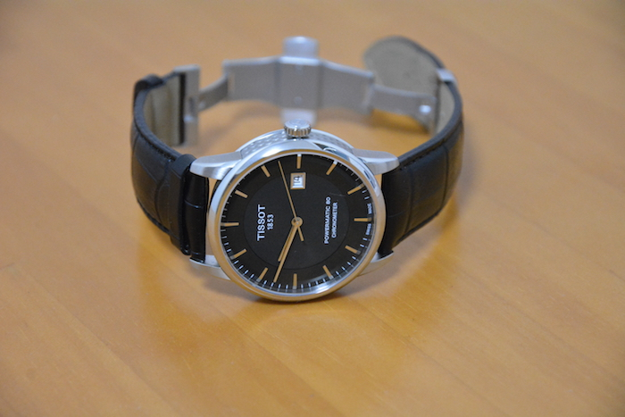 革ベルトのTISSOT LUXURY AUTOMATIC GENT COSC