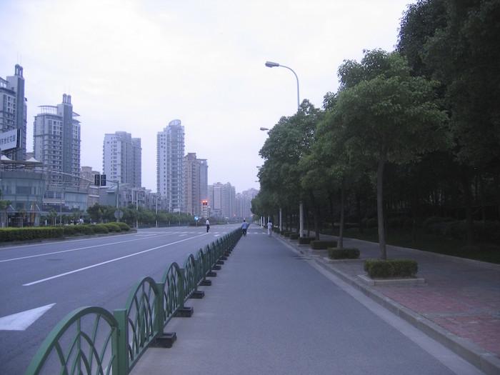 2005年6月8日の世紀公園外周路