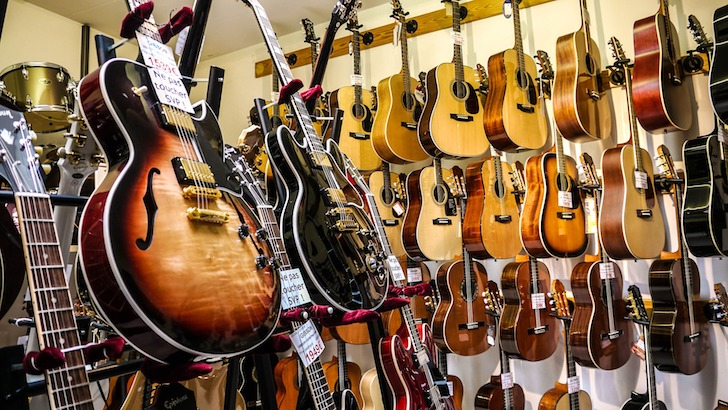 フォーク・ギターとクラシック・ギターとアコギのあれこれ
