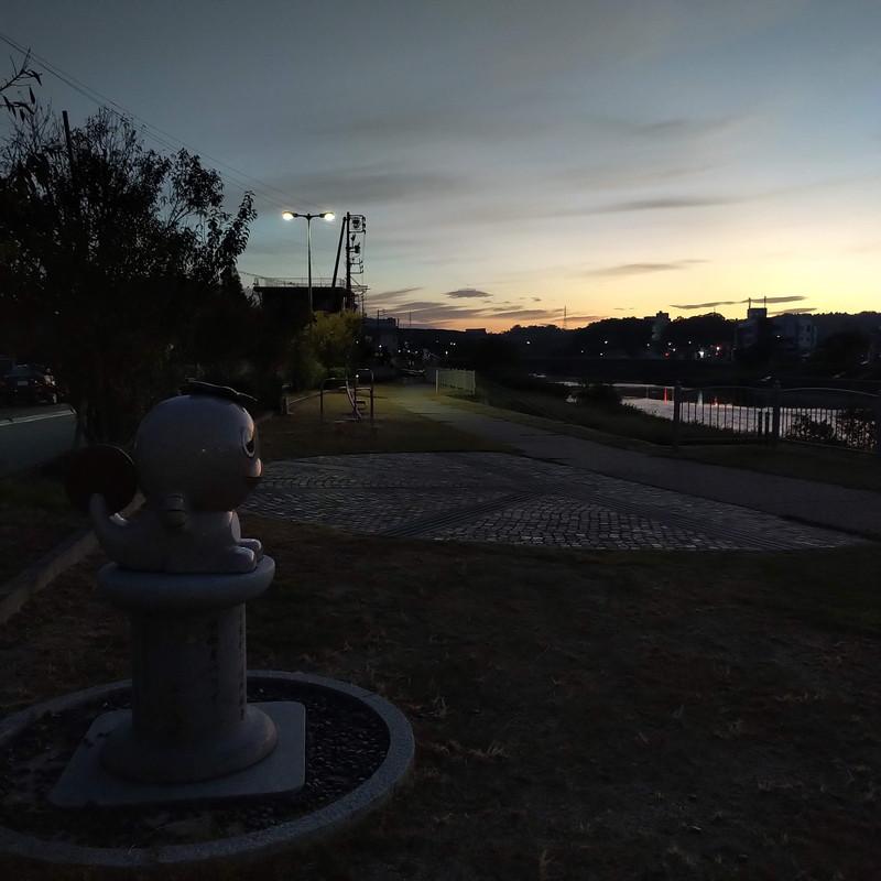 出張先での暗い朝ラン