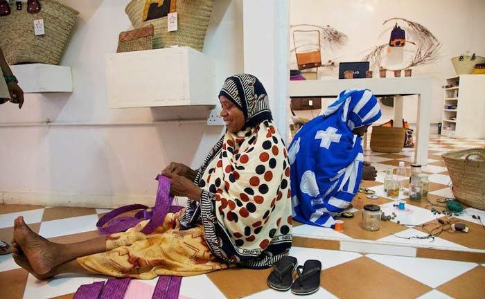 fahari-zanzibar-donne-al-lavoro