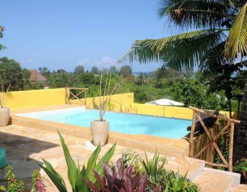 maisha-marefu-piscina