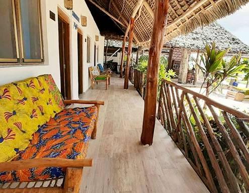 veranda-sunrise-lodge