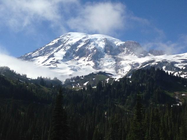 Mount Rainier en arrivant à Paradise