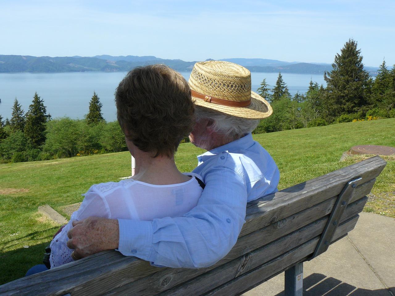 健康で長生きしている老夫婦