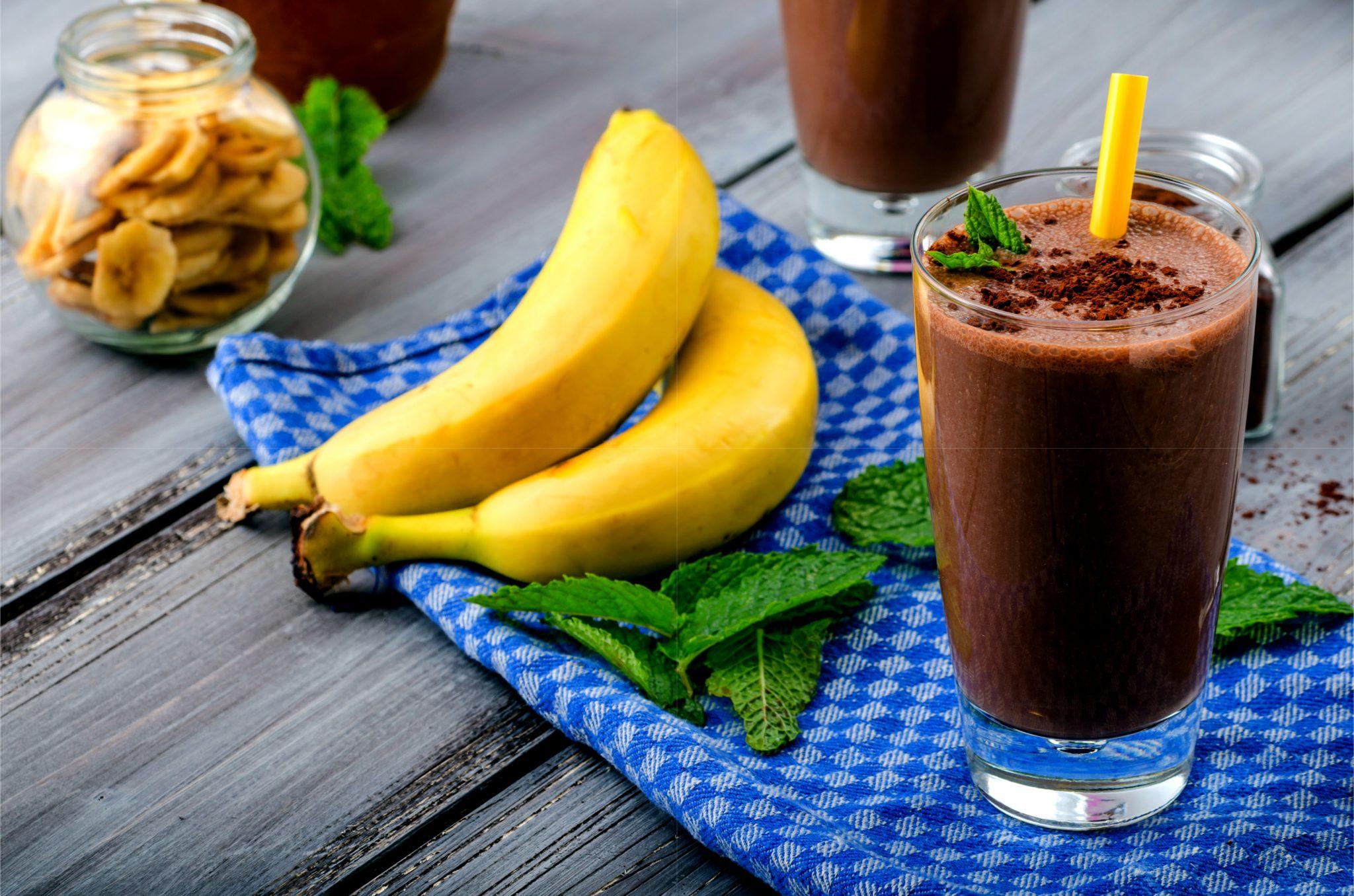 チョコレートシェイクとバナナ