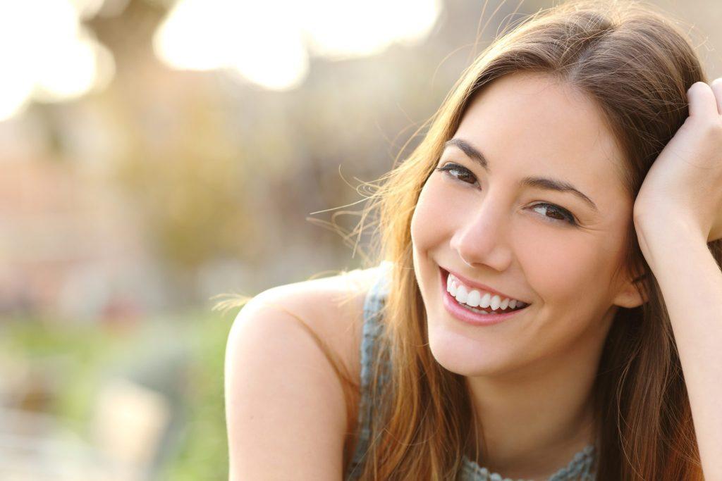 笑顔の美女