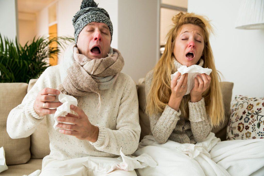 風邪ひくカップル