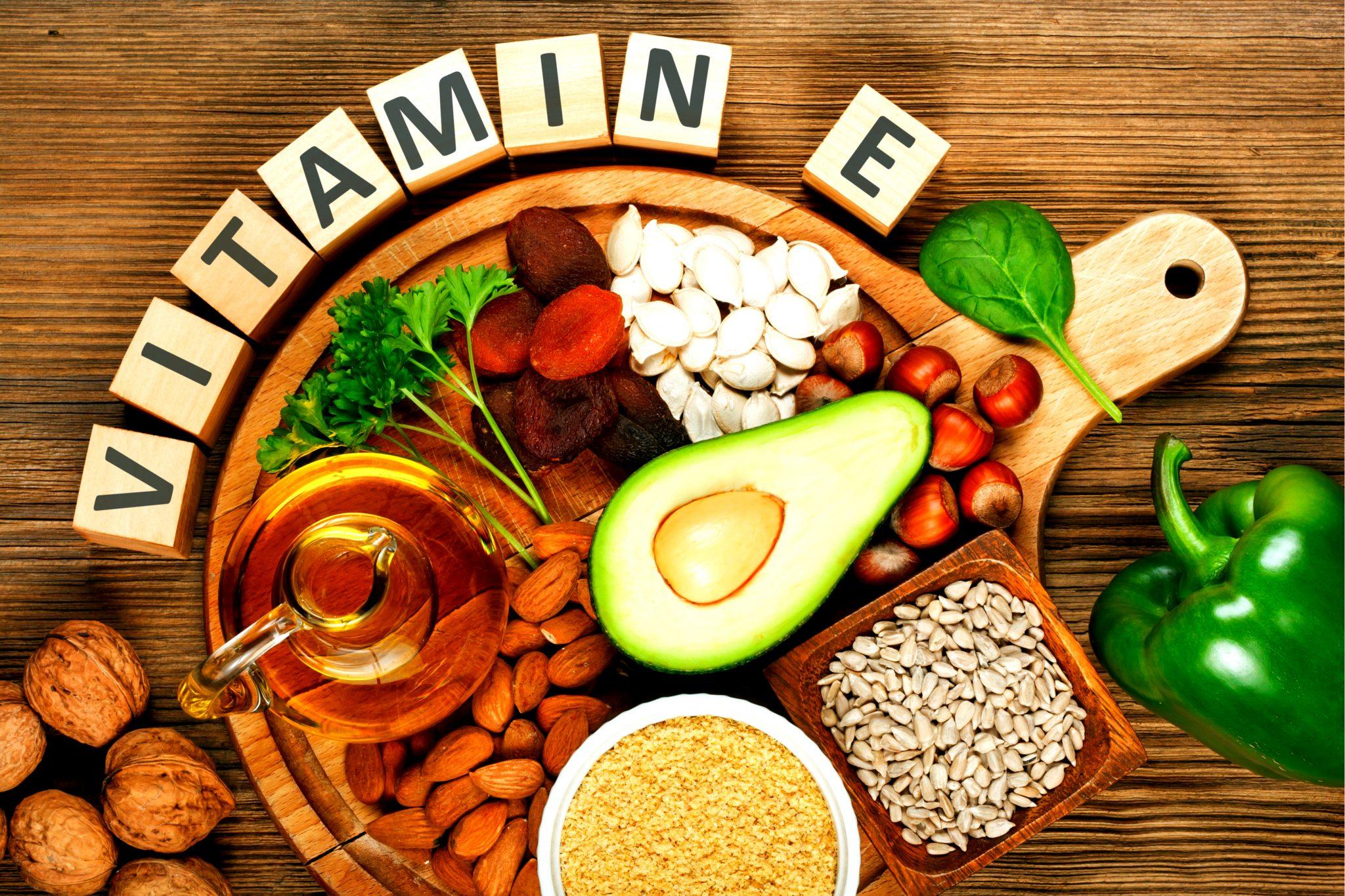 ビタミンEを含む食べ物をまとめた写真