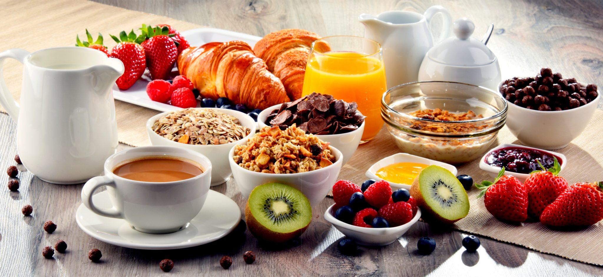 フルーツ盛りだくさんの朝食