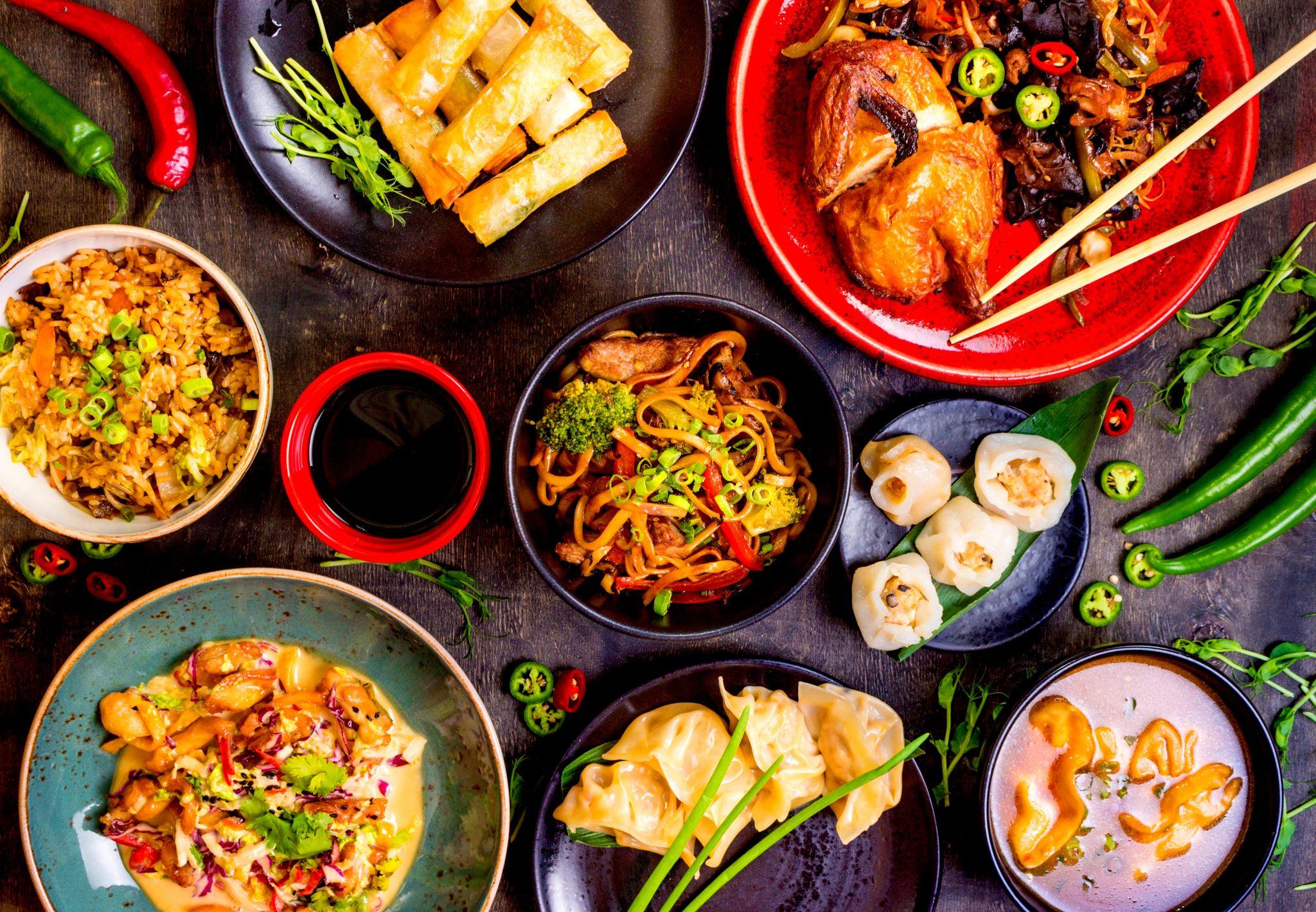 たくさんのアジア料理