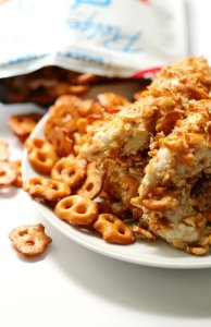 Honey-Mustard-Pretzel-Crusted-Chicken-7-663x1024