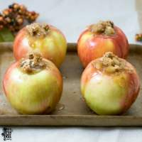 Gluten Free Apple Crisp | https://eatatourtable.com