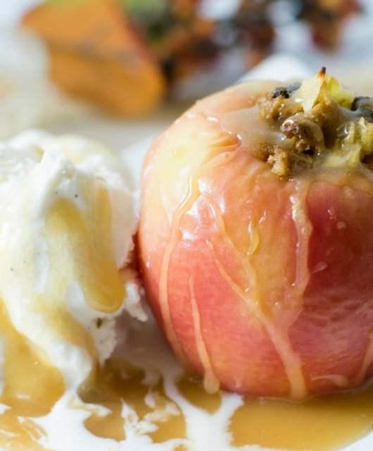 Gluten Free Apple Crisp | https://eatatourtable.com