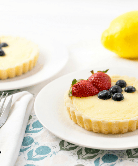 Easy Gluten Free Lemon Cheesecake Tart