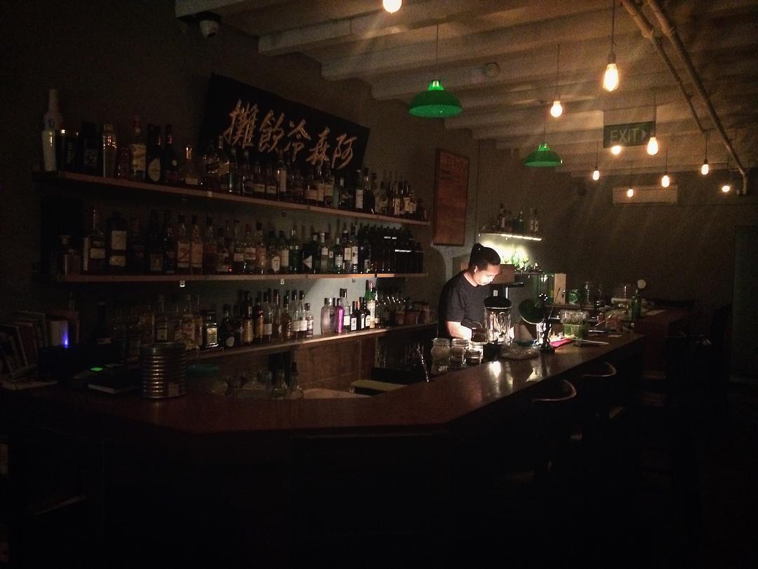 Speakeasy bespoke cocktail bar singapore (2)