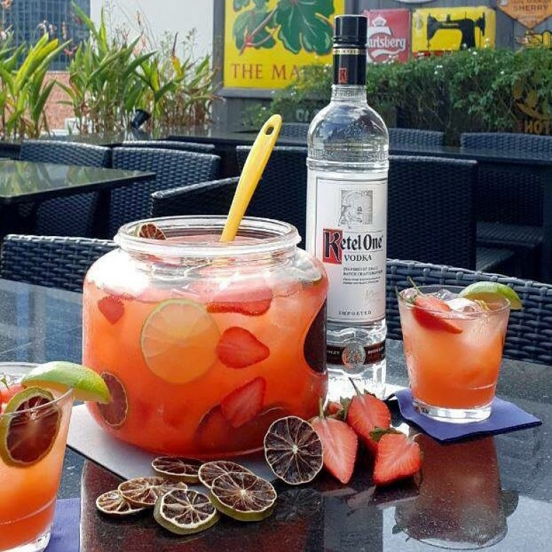 roof top bar_mr punch