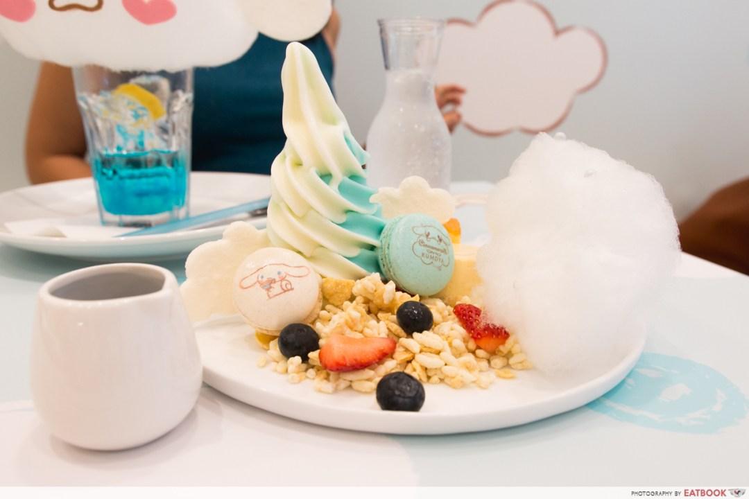 cinnamoroll cafe - froyo dessert