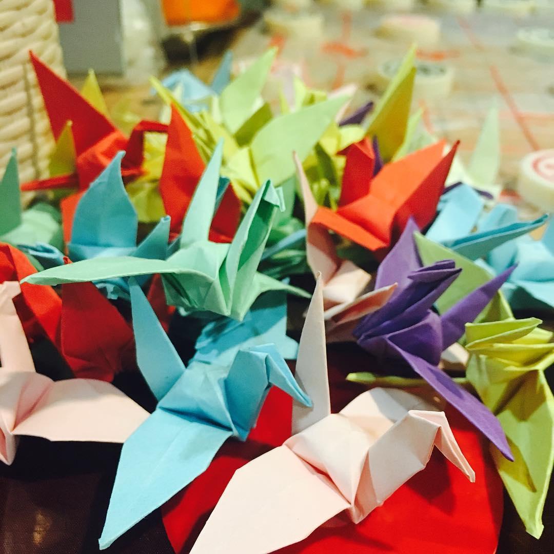 hai di lao - paper cranes