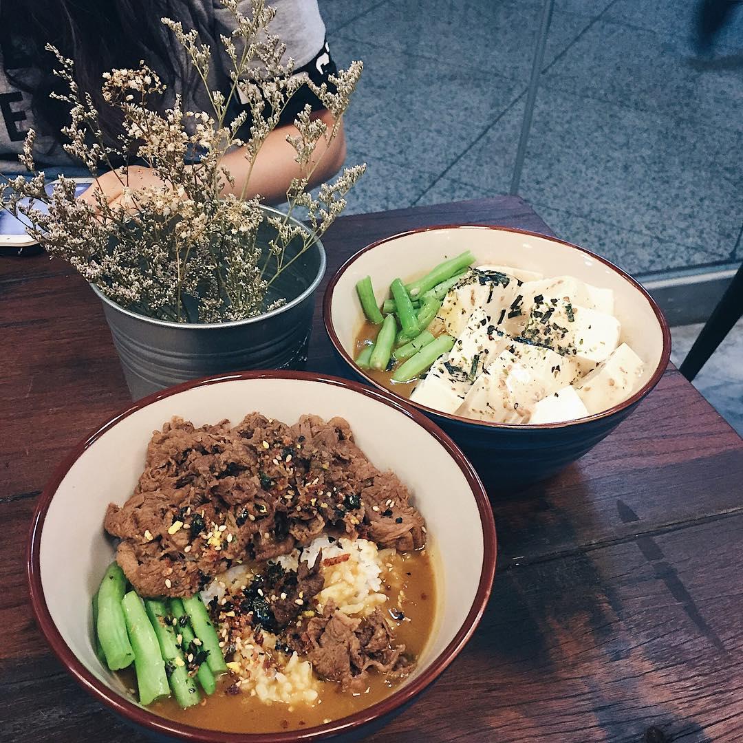 affordable beef donburi - ho jiak