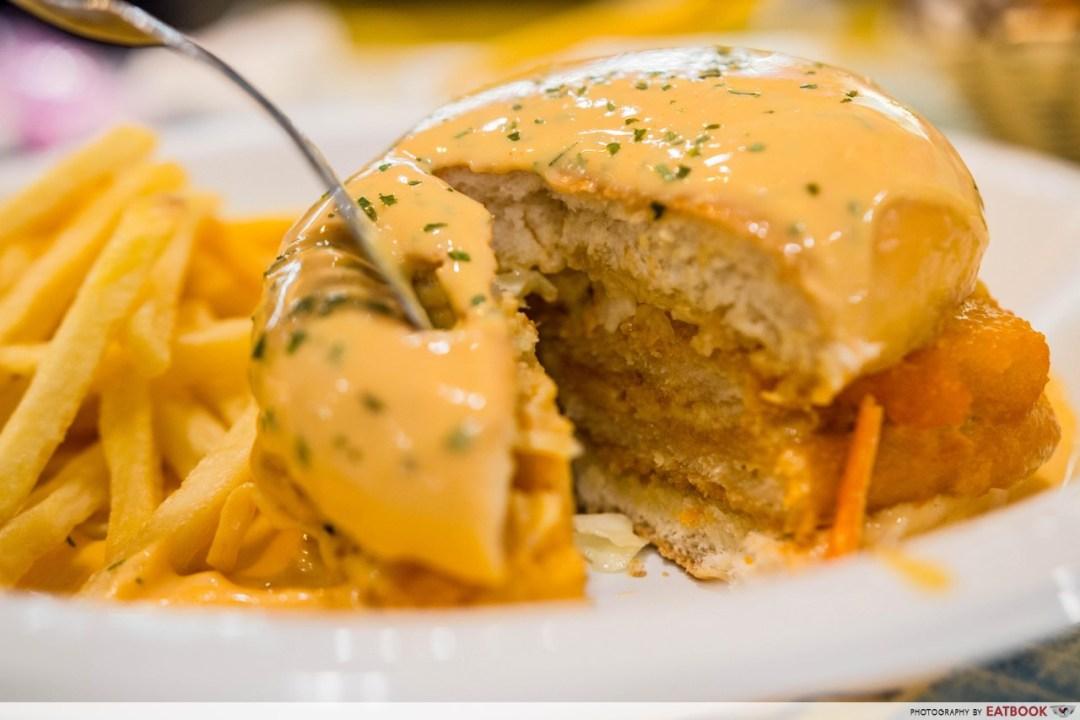 Nadim's delights - burger banjir closeup