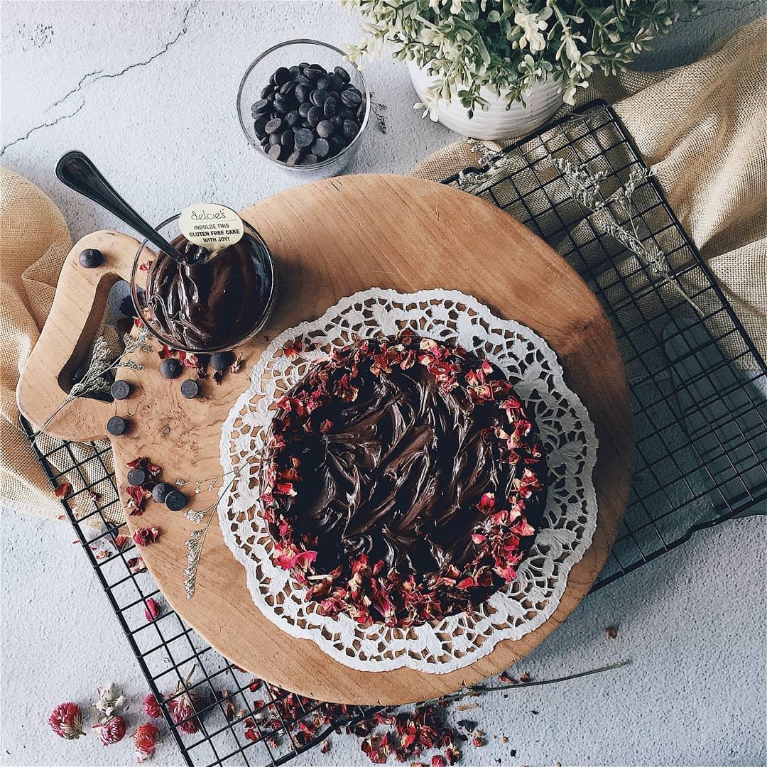 gluten-free dessert places- delcie's desserts and cakes