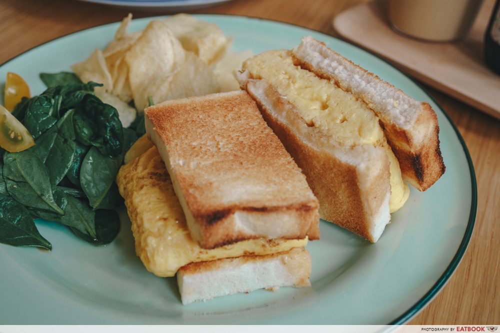 Grids and Circles egg sandwich