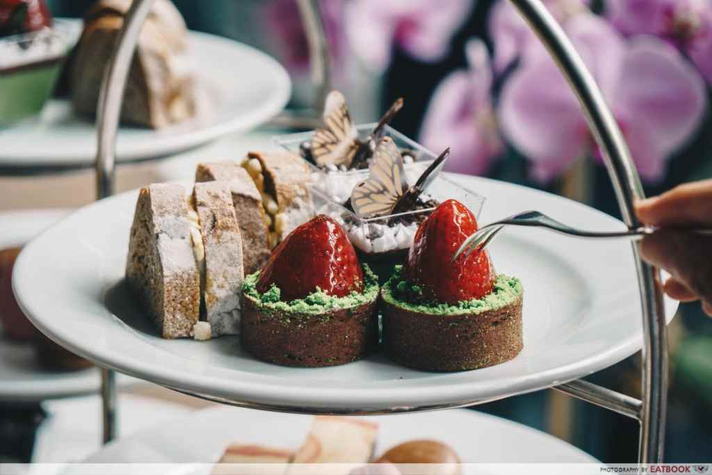 hotels with high tea Crowne Plaza-min