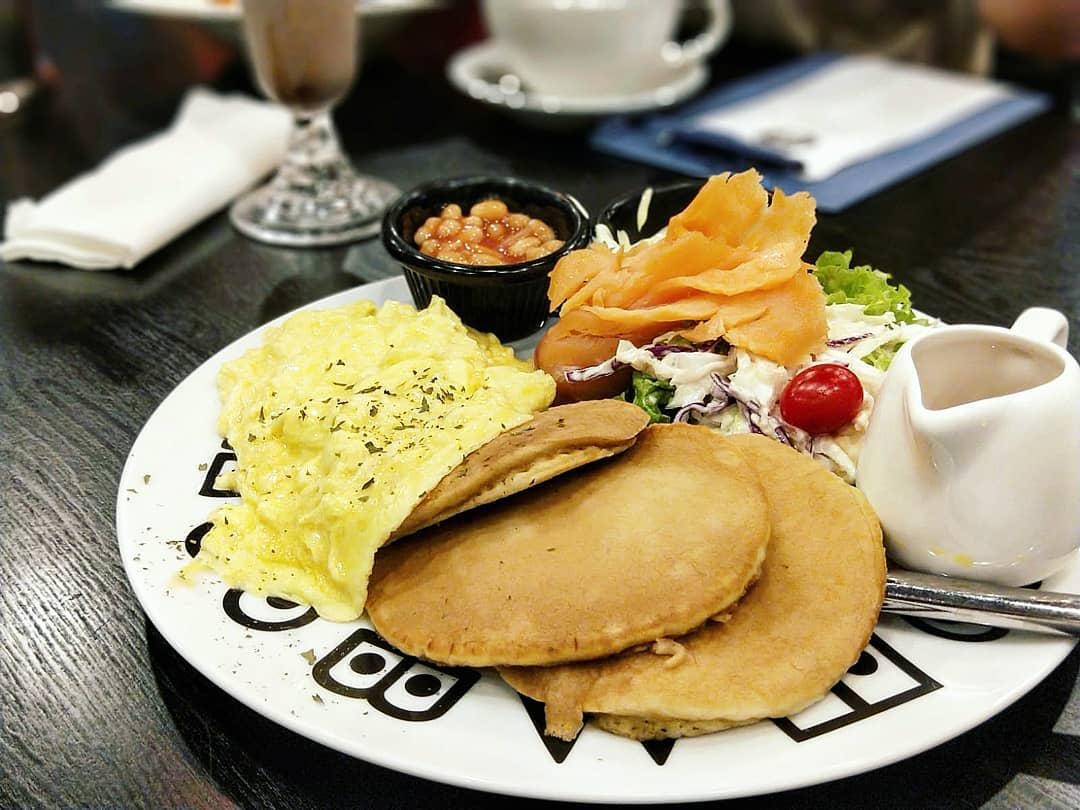 The Lazy Garden Cafe - All Day Breakfast