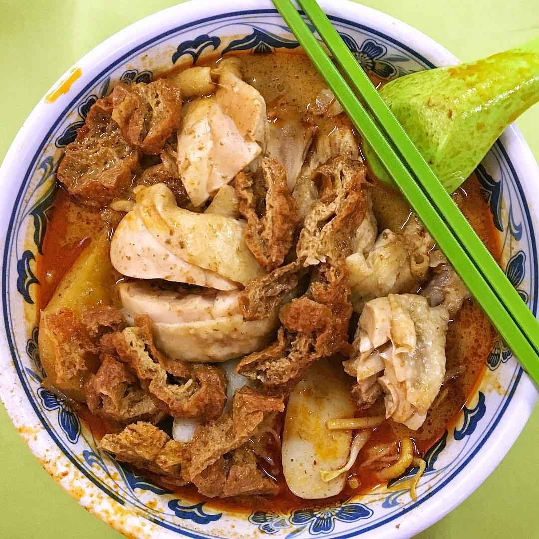 popular hawker stalls heng kee curry chicken noodle