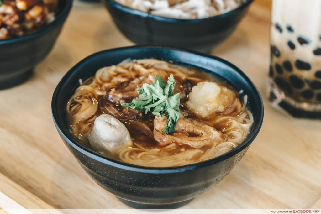 Eat 3 Bowls pork intestine mee sua