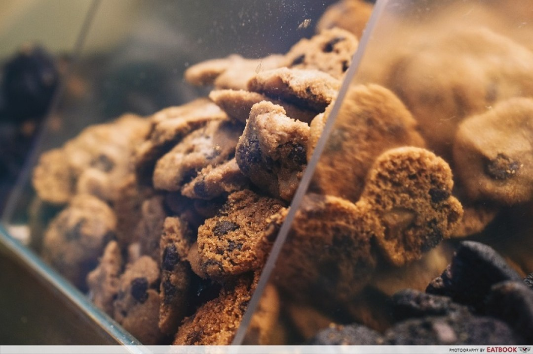 Famous Amos Ice-Cream - fmaous Amos cookies