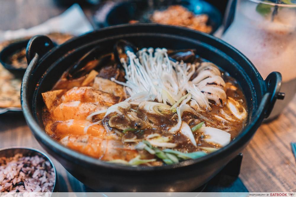 Jurong Korean Restaurant - Massizzim Spicy Seafood Beef Stew