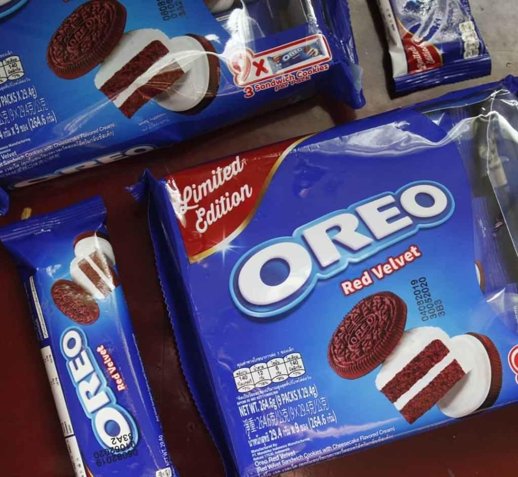 Red Velvet Oreo Cookies packaging