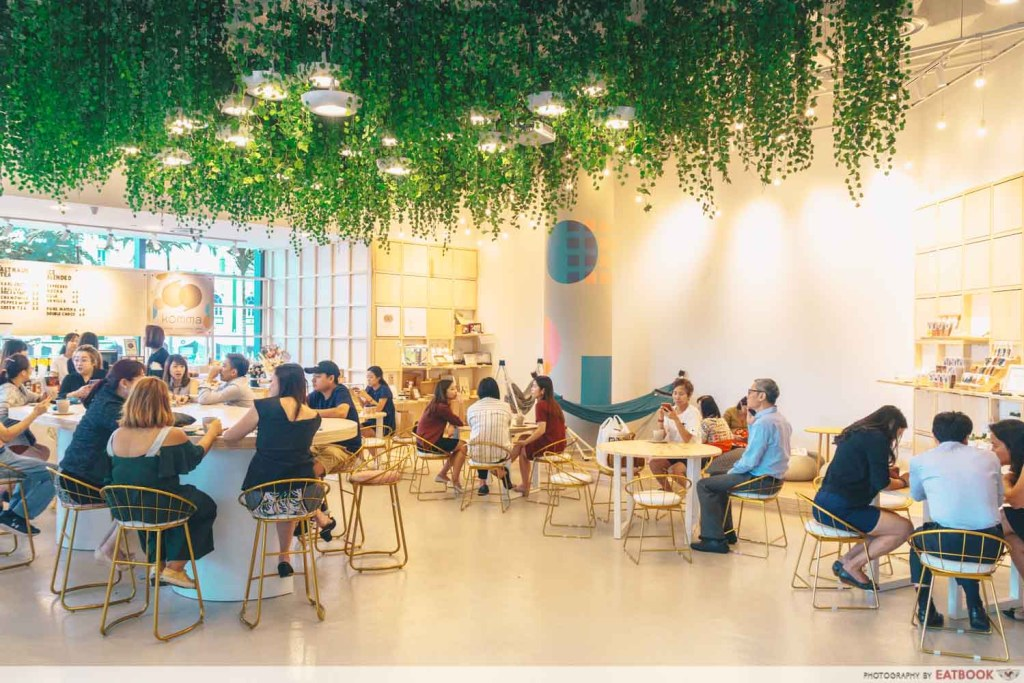 Komma Social Cafe ambience