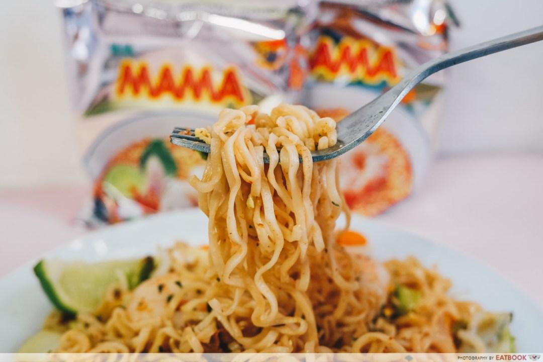 Instant Noodles Recipes - Pad Thai close up