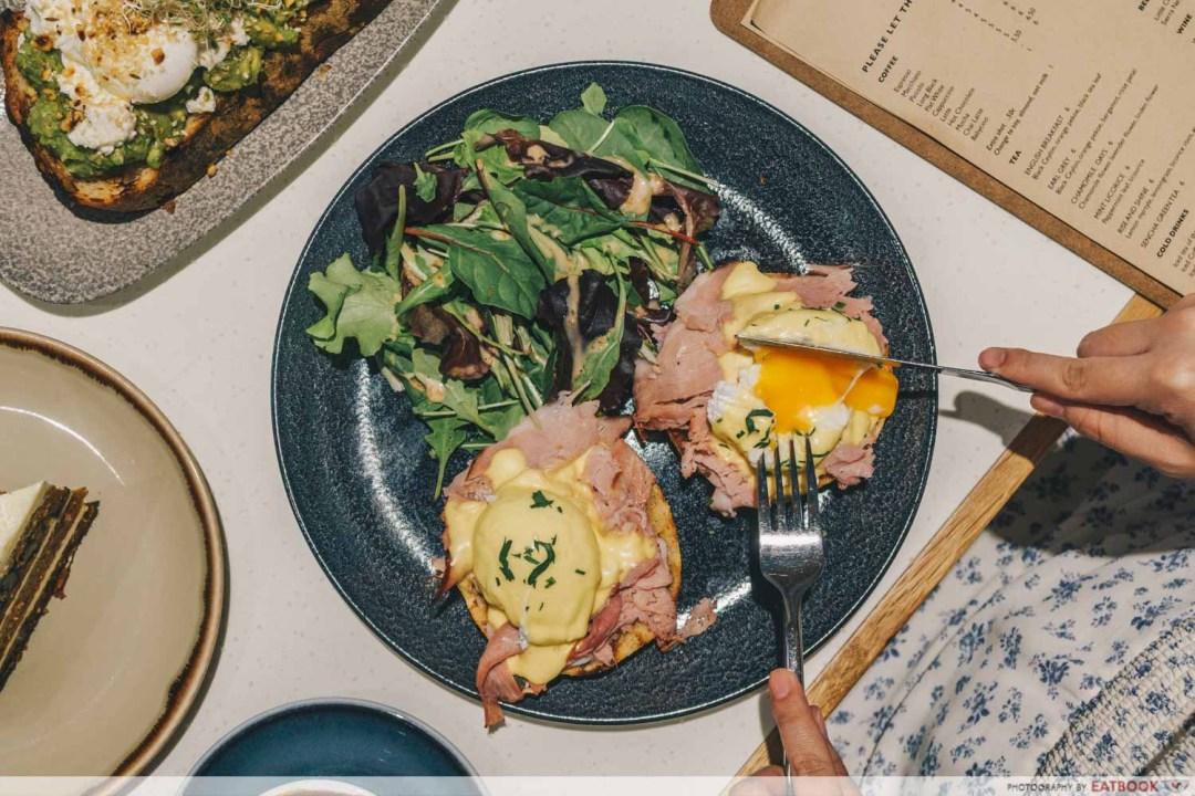 Little Farms Cafe - Eggs Benedict
