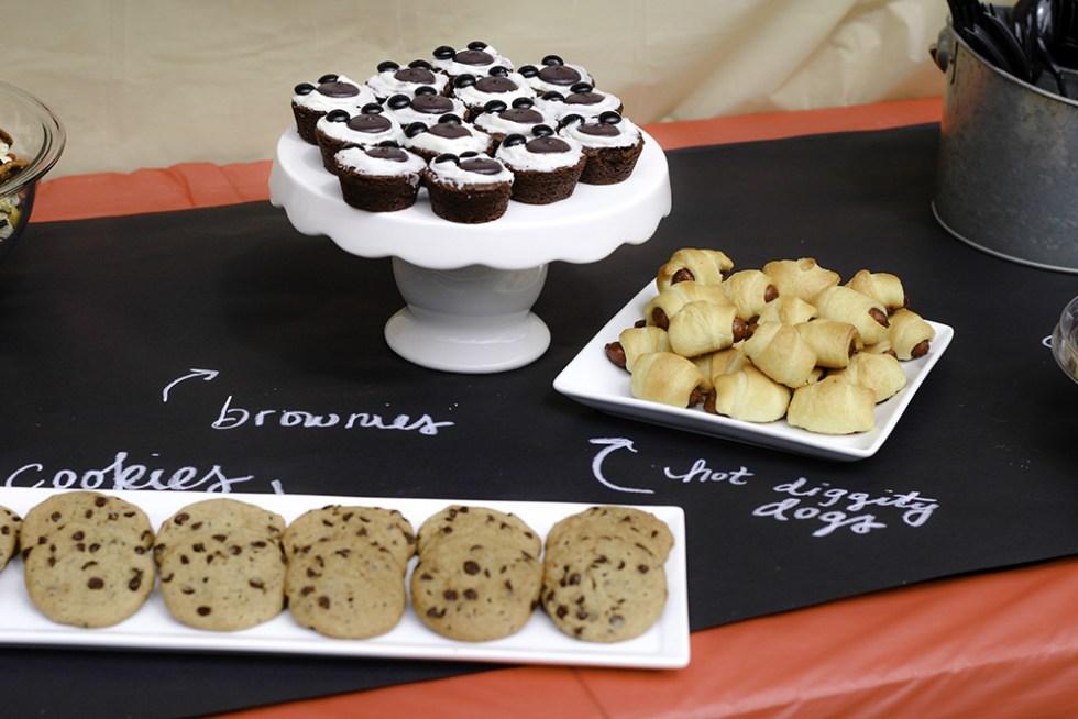Mickey themed party Food Spread #DisneyKids