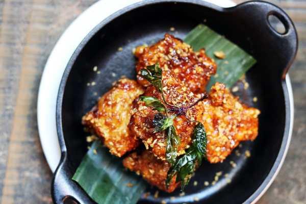 Soi SRW Crispy Garlic Tofu
