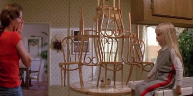 Poltergeist film sedie ribaltate