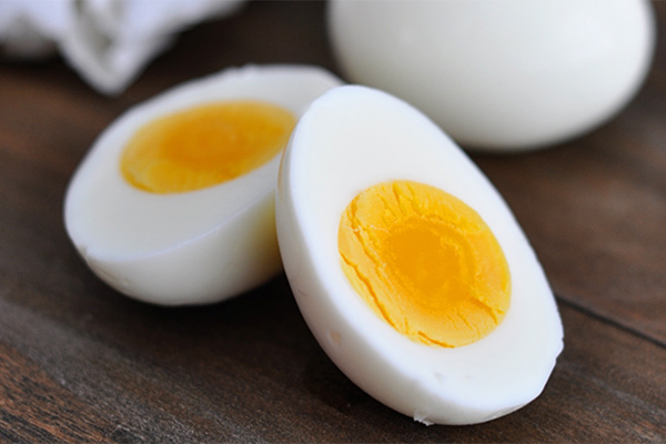 hard-boiled-eggs-600x400