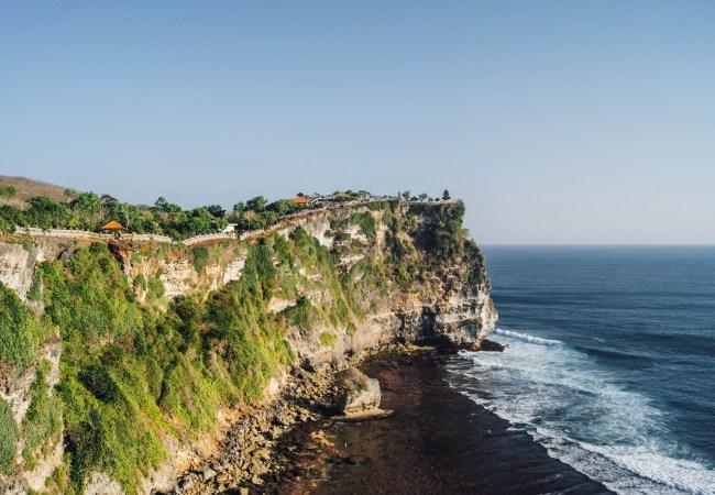 Uluwatu (Bali) – Playas, acantilados y surf