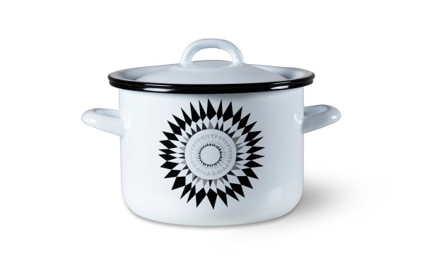 Competition prize: enamel cooking pot