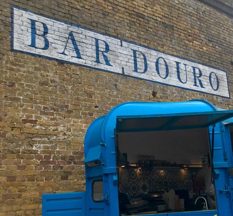 Bar Douro: outside