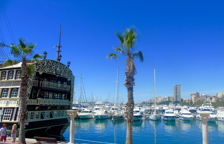 Alicante: harbour