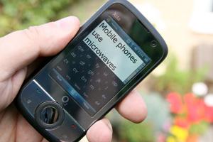 MobilePhonesUseMicrowaves