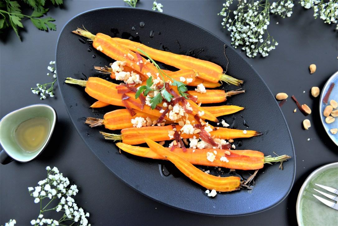 Lauwarmer Bundkarotten-Salat mit Feta