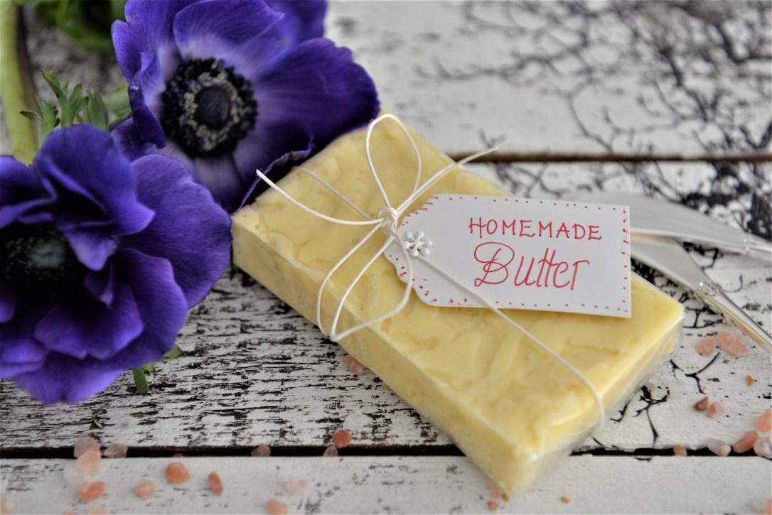 Butter Rezept, selbstgemachte Butter mit Salz,